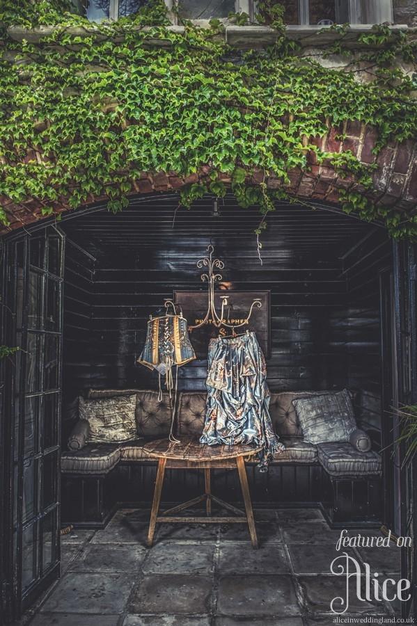 AliceWeddingMagazine-I1-SteampunkWeddingBC-000