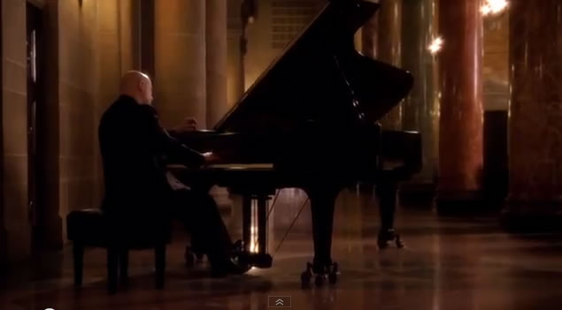 'Alice' exclusive: Grammy award winning producer and world renowned pianist Vicente recreate the Bridal March