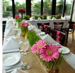 Wedding table flowers: using greenery