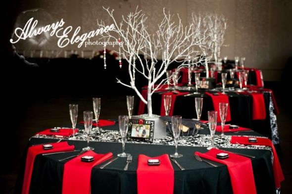 alice-in-wonderland-reception_table