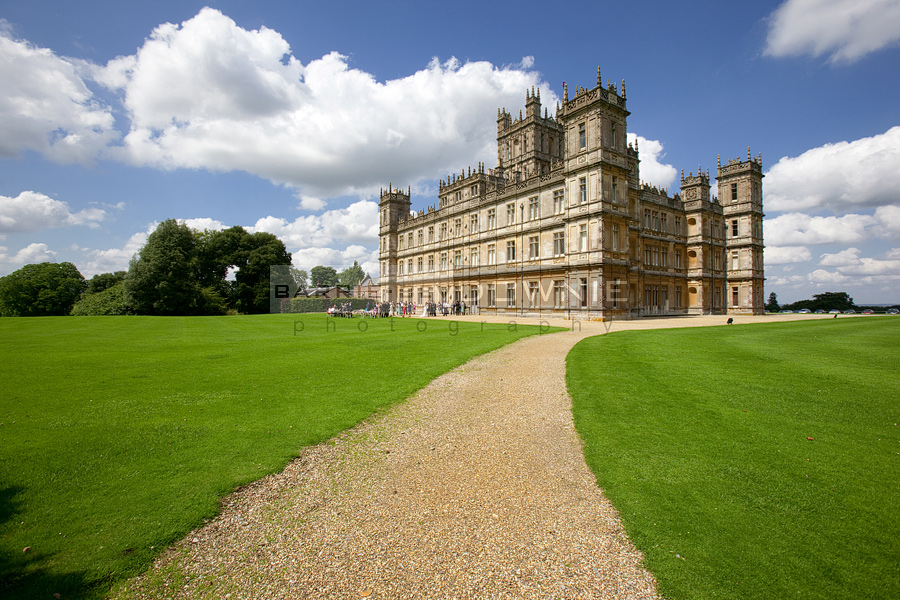 Unique Wedding Venue: Highclere Castle (Downton Abbey)