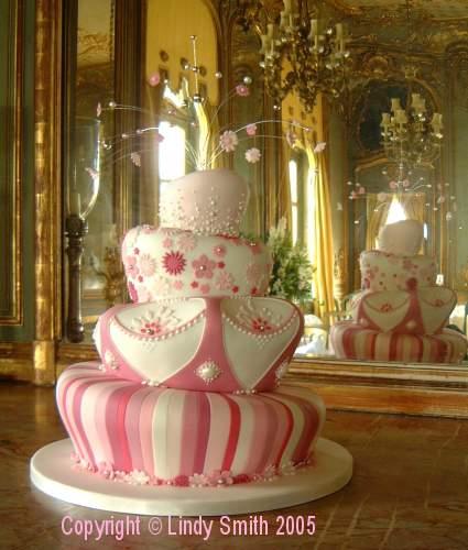Unusual Wedding Cakes Take Two Alice In Weddingland Wedding Blog