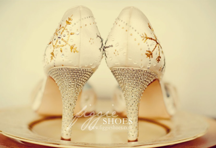 Figgie shoes 04 Unique wedding shoes: hand painted pieces of art for your heart and sole Wedding Blog