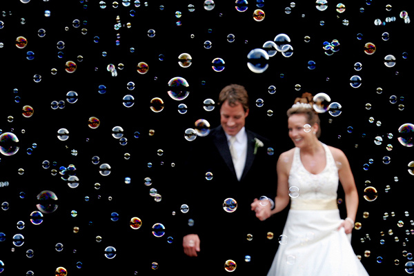 I thee wed: The new confetti