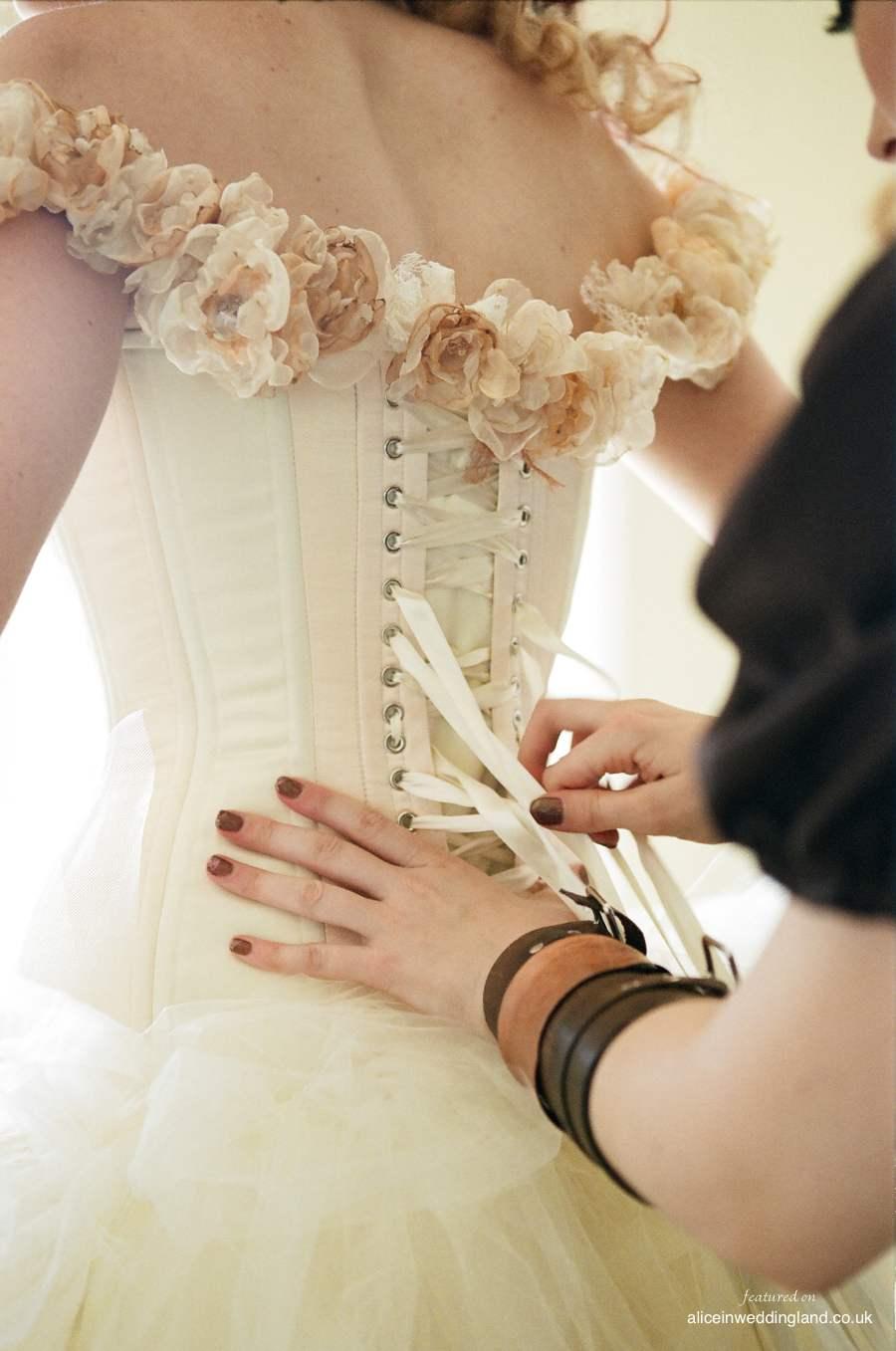 alice in weddingland steampunk wedding steampunk up your wedding