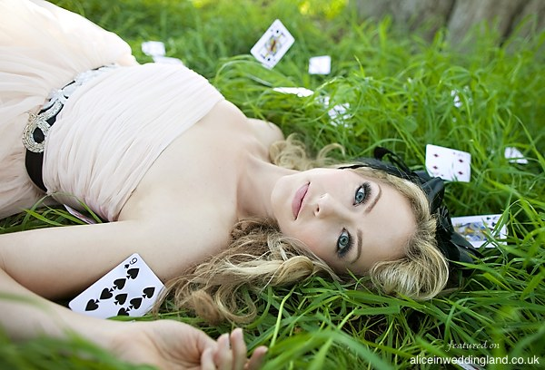 Alice In Wonderland photo shoot: An elegant Alice