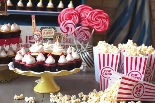Styling your wedding dessert buffet