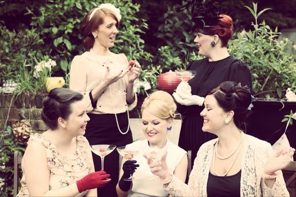 Vintage wedding ideas: Lipstick & Cupcakes Vintage Wedding Events