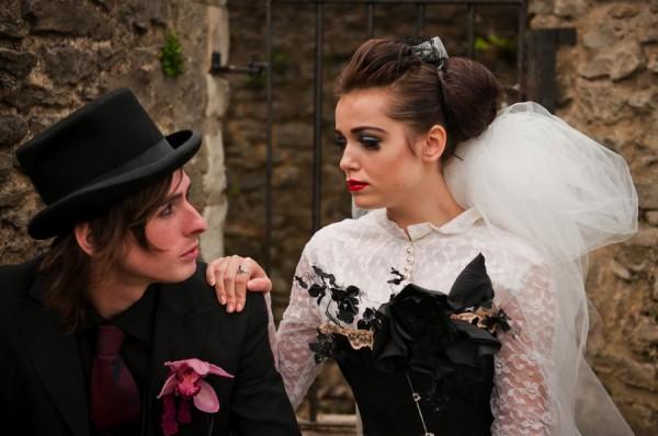 AliceInWeddingland-Vintage-gothic-photo-shoot-wedding-03