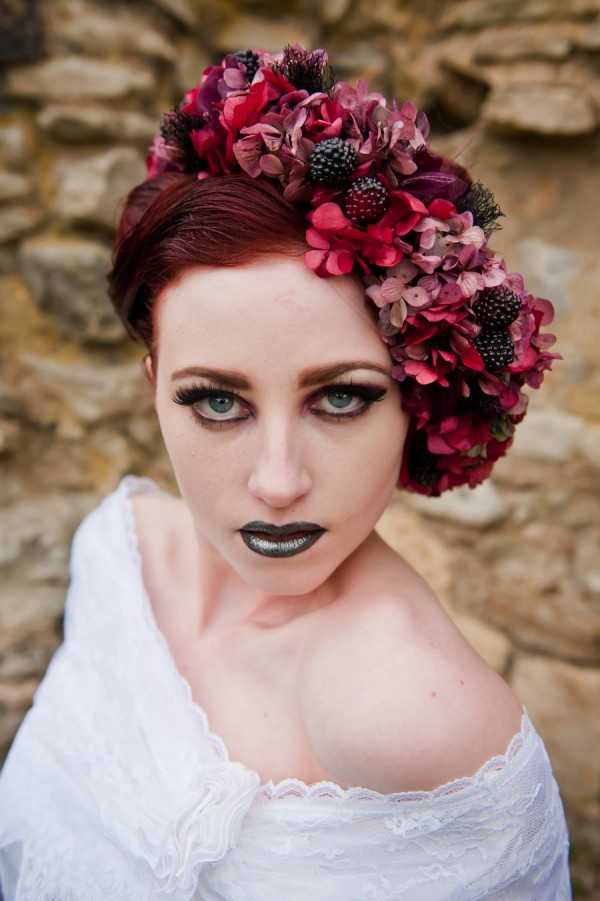 AliceInWeddingland-Vintage-gothic-photo-shoot-wedding-05