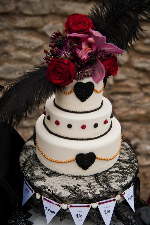 AliceInWeddingland-Vintage-gothic-photo-shoot-wedding-13