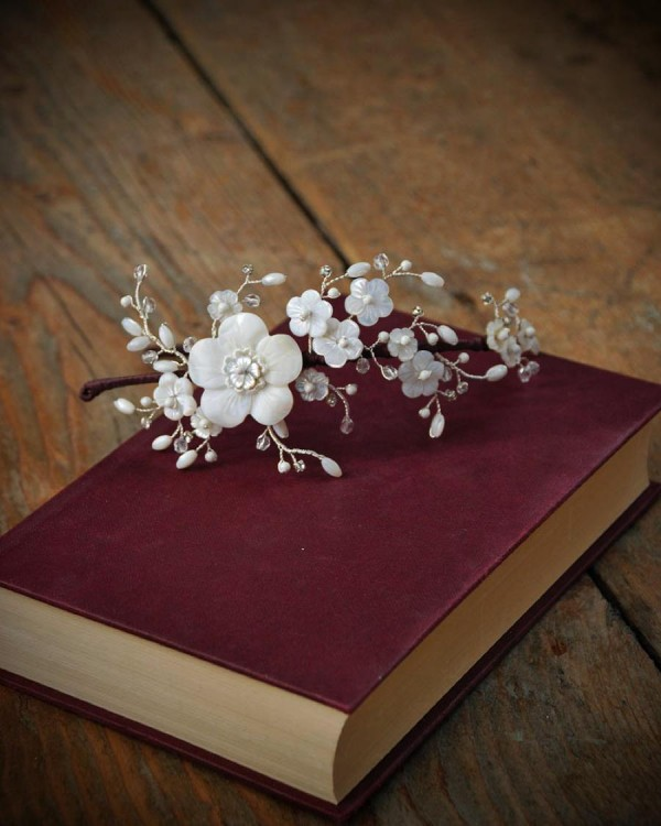 AliceInWeddingland-unique -bridal-headdresses-GlassOyster-01