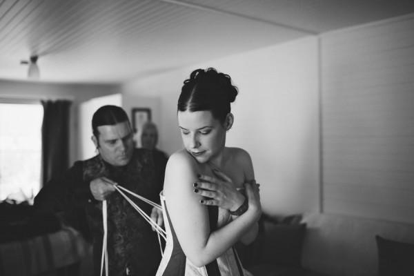 Gothic wedding - unique wedding blog - AIW - AngiePeadyPhotography02