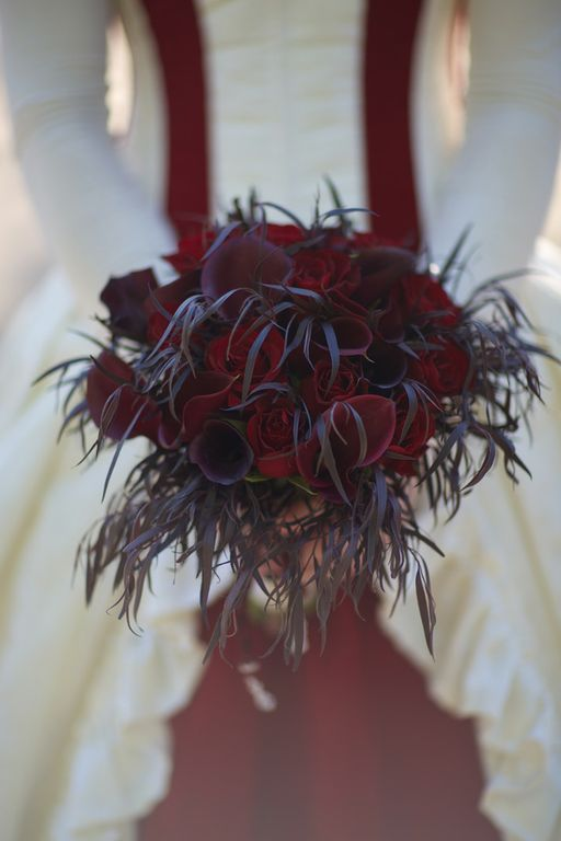 Gothic wedding - unique wedding blog - AIW - AngiePeadyPhotography12