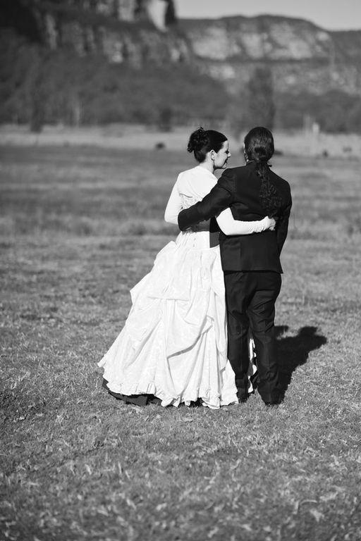 Gothic wedding - unique wedding blog - AIW - AngiePeadyPhotography14
