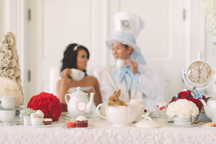 Alice In Wonderland wedding {inspired shoot}