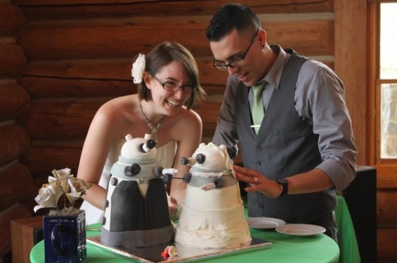5 Sci-Fi Wedding Cakes Which Are Surprisingly Sweet (in More Ways Than One)